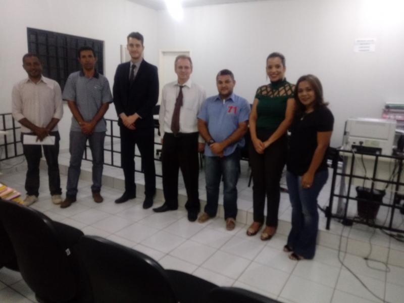 Representantes de Santa Filomena participam de audiência com Juiz e Promotor