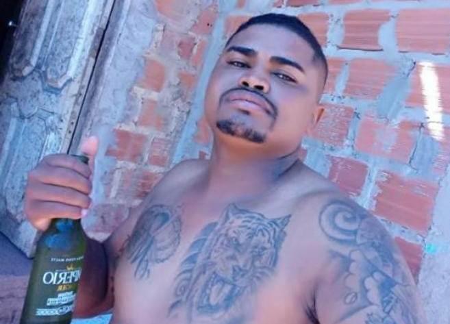Juniel tinha 31 anos e foi executado dentro quarto, quando se preparava para dormir.