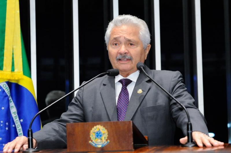 Elmano Férrer explica decisão de ser candidato ao governo do estado