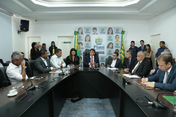 Prefeito Dr. Manoel Jr. participa de reunião com governador Wellington Dias