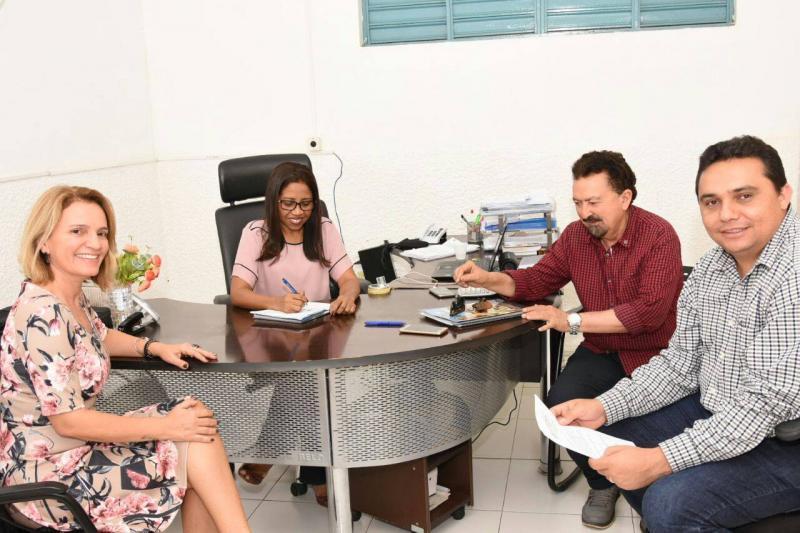 Nova diretora do Instituto de Águas do Piauí discute ações para o sistema hídrico de Floriano