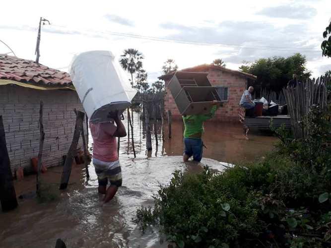Prefeito de Campo Maior entregara kits humanitários a famílias alagadas