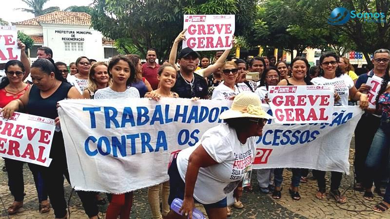 Professores de Regeneração entram em greve e pedem reajuste de salário ao prefeito