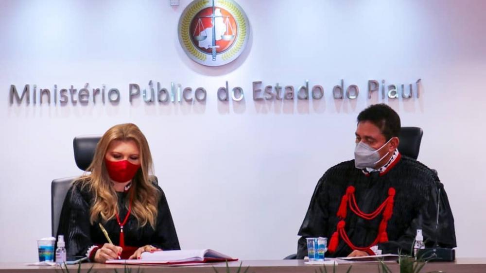 Cleandro Moura toma posse como procurador-geral de justiça do PI