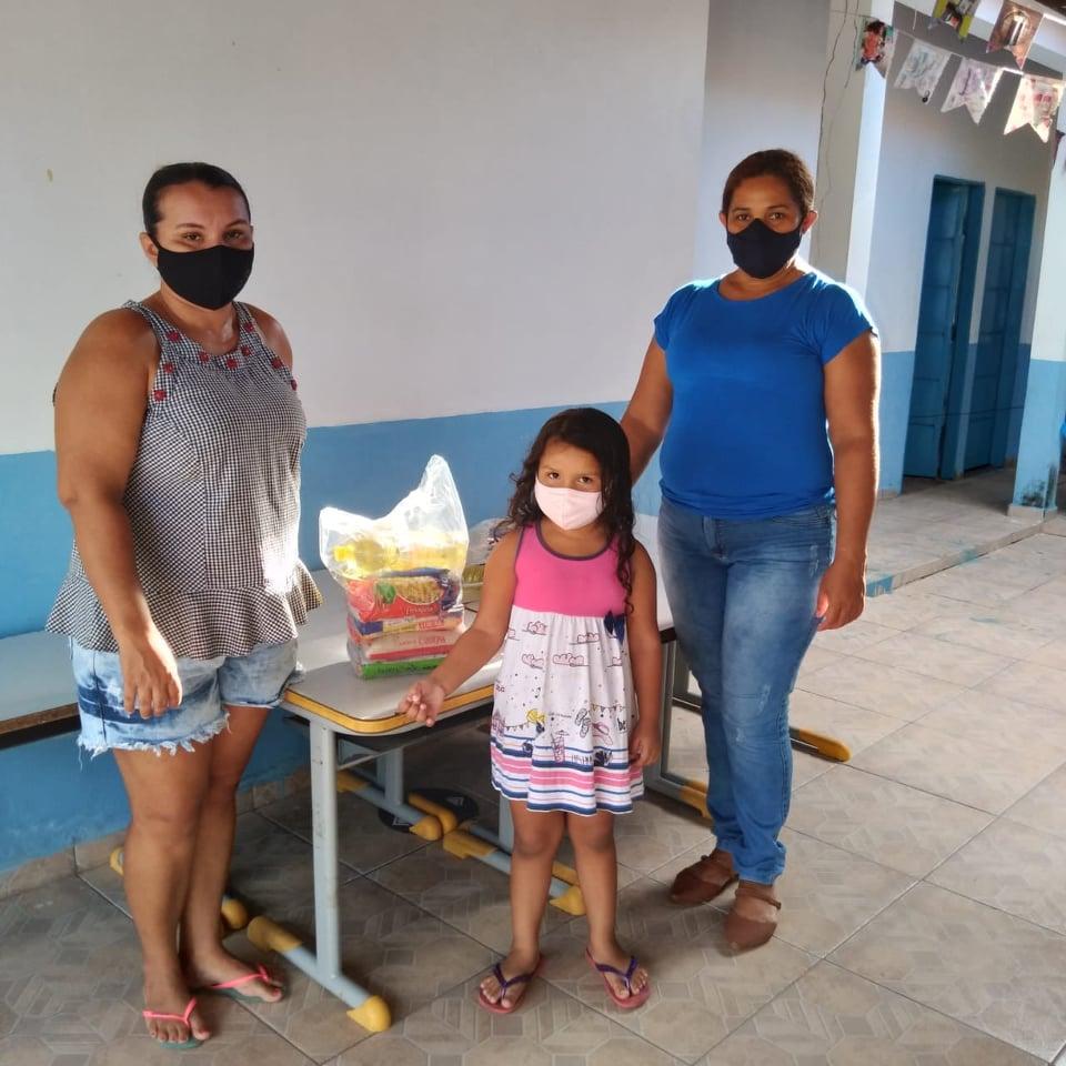 Prefeitura de Beneditinos distribui Kits Alimentar para a rede municipal