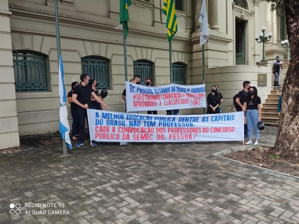 Aprovados em concurso da SEMEC de Teresina organizam novo protesto
