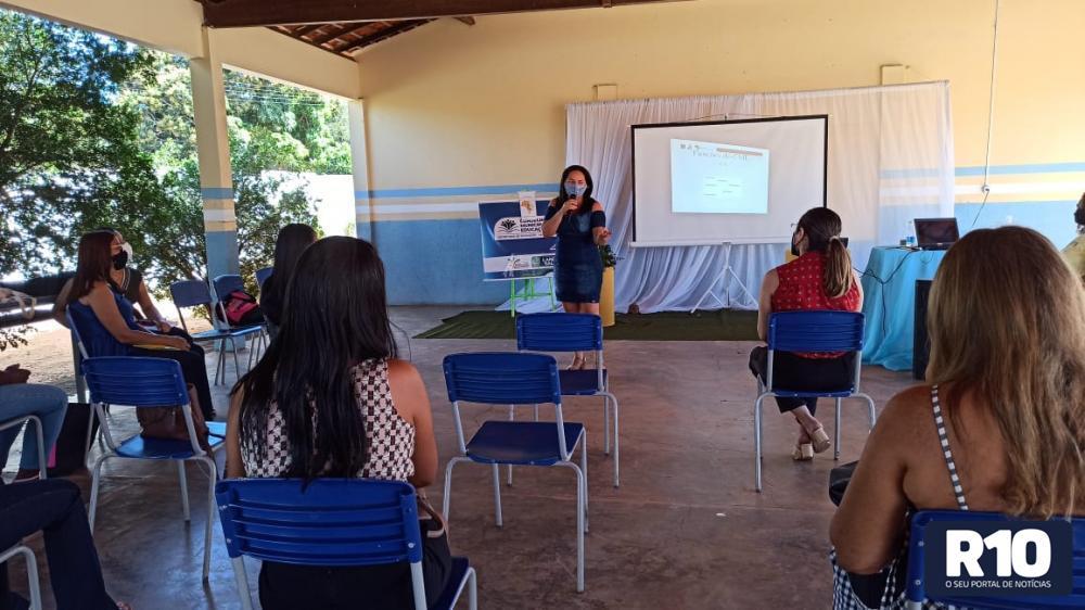 Secretaria realiza formação com Conselho Municipal de Educação