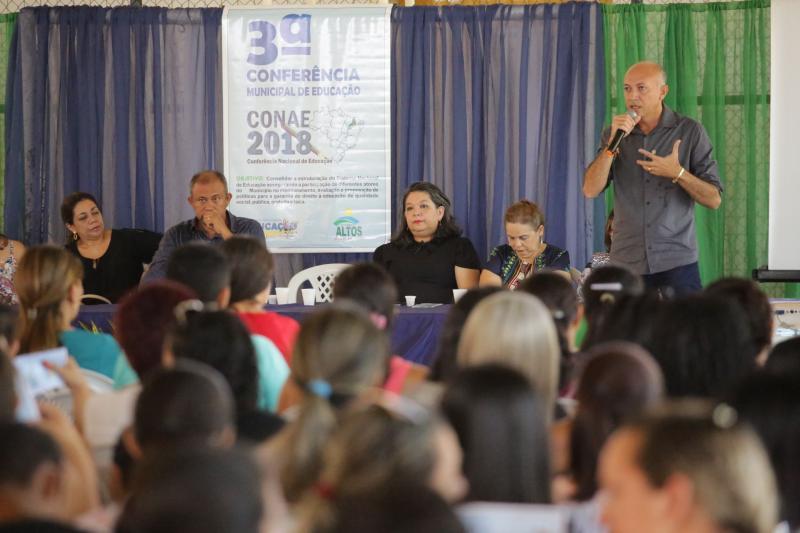 Altos realiza etapa municipal da 3ª Conferência Nacional de Educação