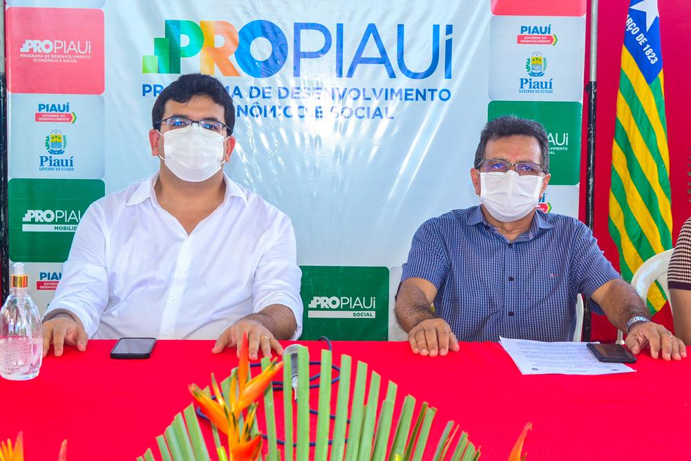 Secretário de Estado Rafael Fonteles e o Prefeito Genival Bezerra.