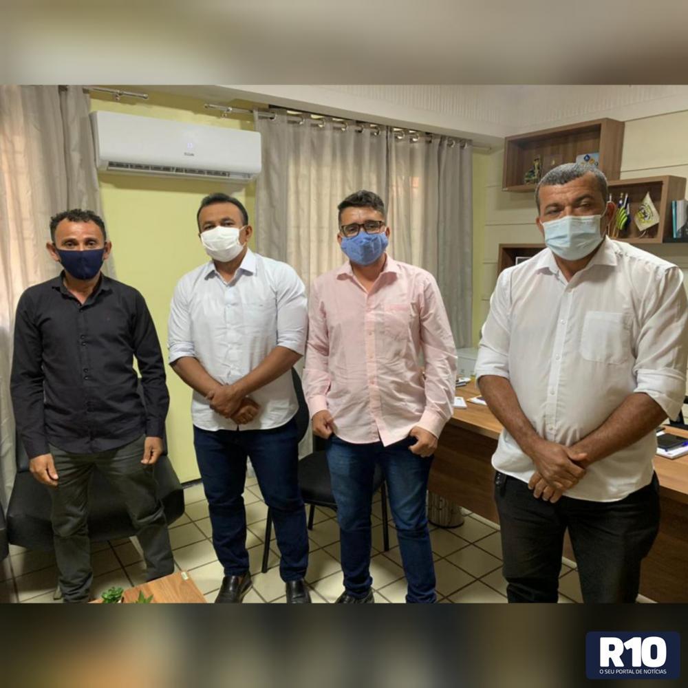 Vereadores Ivonei, Fabrício e Jessé são recebidos pelo dep federal Fábio Abreu