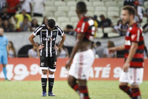 Flamengo bate o Ceará no Castelão  e é líder do Brasileirão