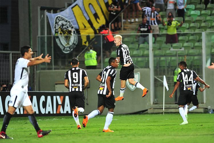 Atlético vence o Corinthians e entra no G4 do Campeonato Brasileiro