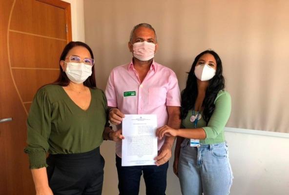 Em São Luís, Prefeita Dinair Veloso assina termo de Convênio para o Agente Jovem