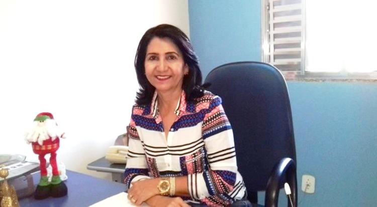 Prefeita Ceiça Dias deseja um feliz dia do trabalhador aos homens e mulheres de Valença do Piauí
