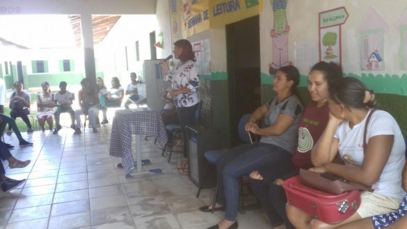 Unidade Escolar Edilon Branco de Sousa Realiza palestra com pais e filhos