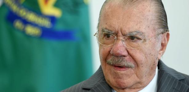 José Sarney volta ao Maranhão e tenta retomar o poder