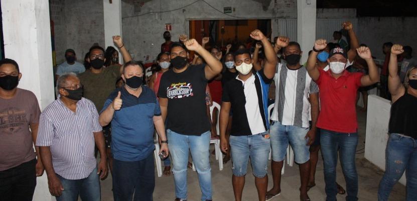 Chico Leitoa participa de encontro com ex-adversários na Rua 100