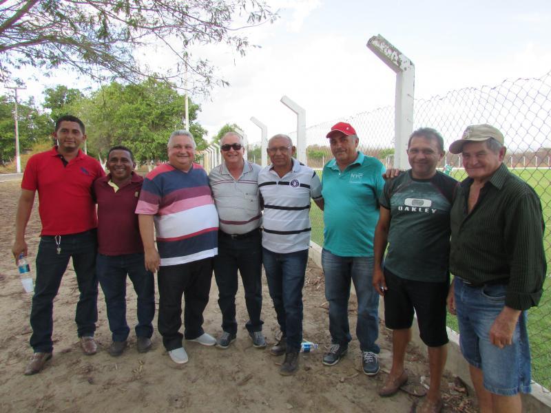 Prefeito de Lagoinha do Piauí, acompanha seleção de futebol em são Felix do Piauí