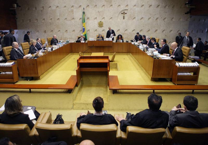 Fim do foro privilegiado ameaça 12 senadores e 36 deputados