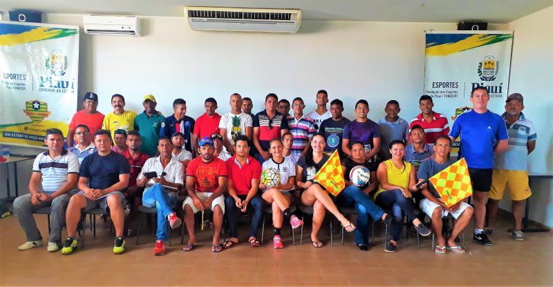 Secretaria de Esportes de Joaquim Pires Realiza Curso de Arbitragem