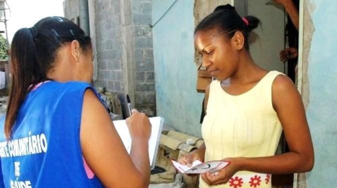 Secretaria alerta para falsa agente de saúde que atua no interior do Piauí