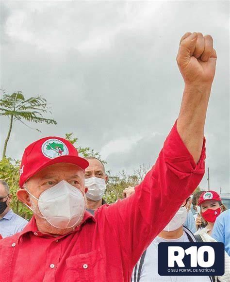 Ex presidente Lula acaba desembarcar em Teresina e cumpre agenda até quarta feira