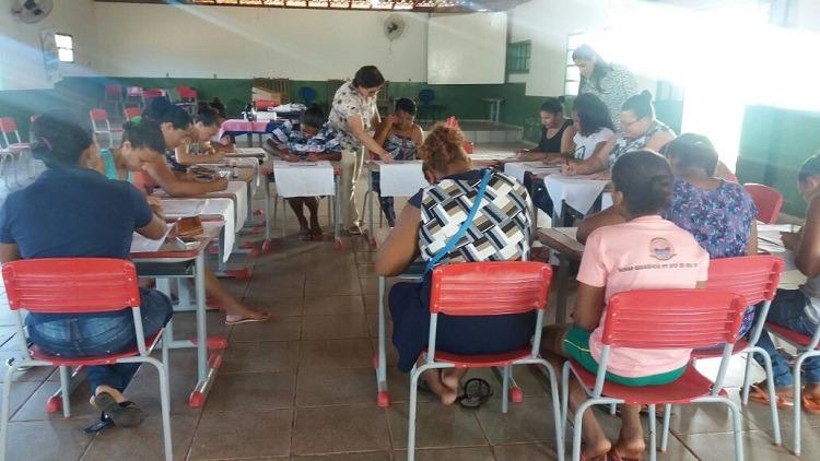 CRAS de São Gonçalo do Gurgueia promove oficina de pintura em tecido