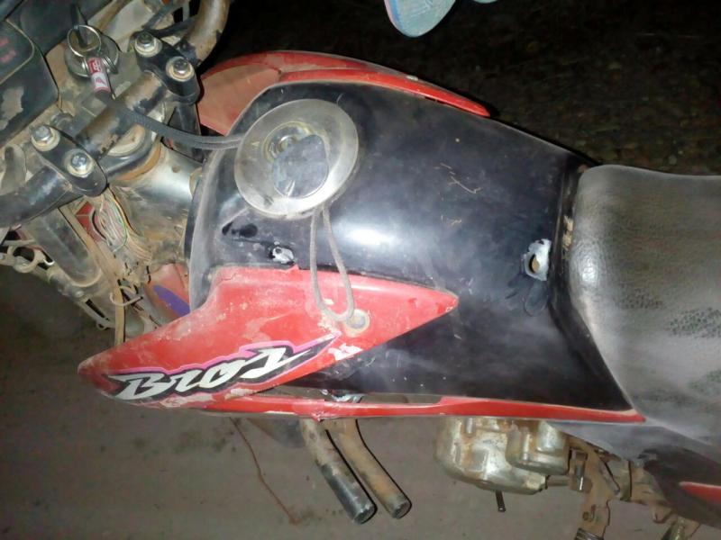 Polícia recupera moto roubada após troca de tiros em Nazária