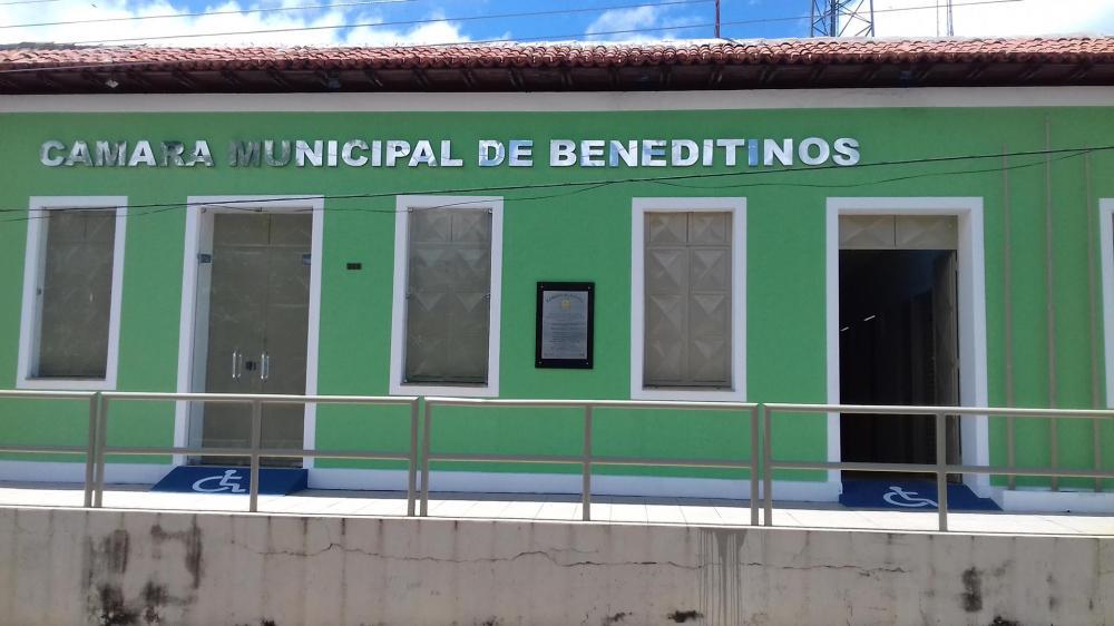 Vereador entra com indicativo de lei criando o Vale Gás na cidade de Beneditinos