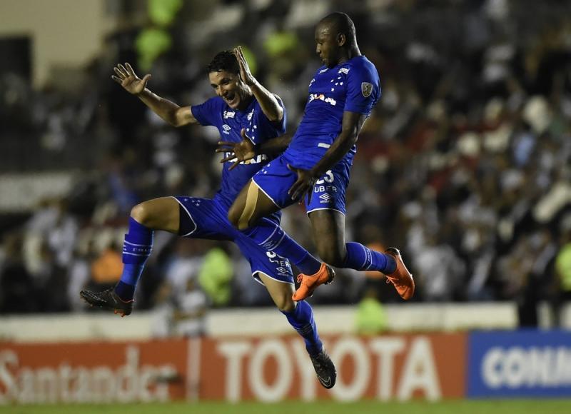 Após goleada  contra o Vasco, Cruzeiro volta a sonhar com primeiro lugar