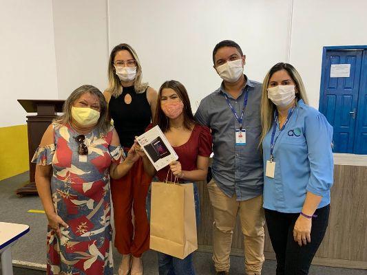 Estudantes de escolas públicas de Timon recebem tablets para incentivar estudos