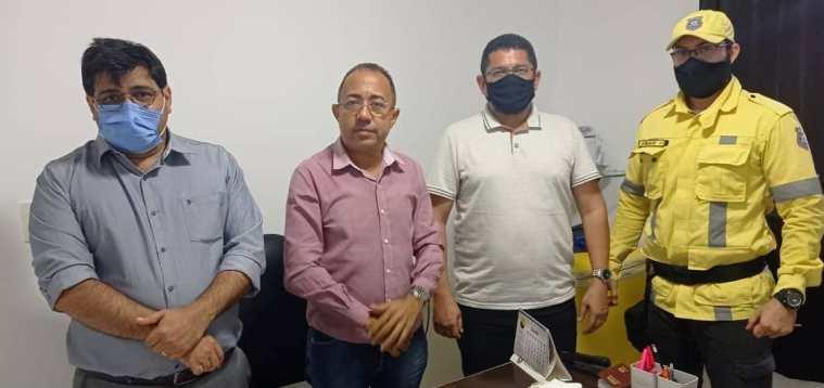 Secretário Municipal de Segurança Jr Barcelar, Vereador e llíder do goverrno Ivan do Saborear, Diretor do DMTRANS Ronaldo Gonçalves e Inspetor àzio