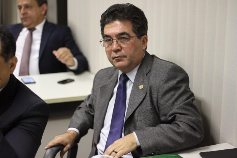 Reajustes salariais para servidores estaduais serão avaliados por comissões