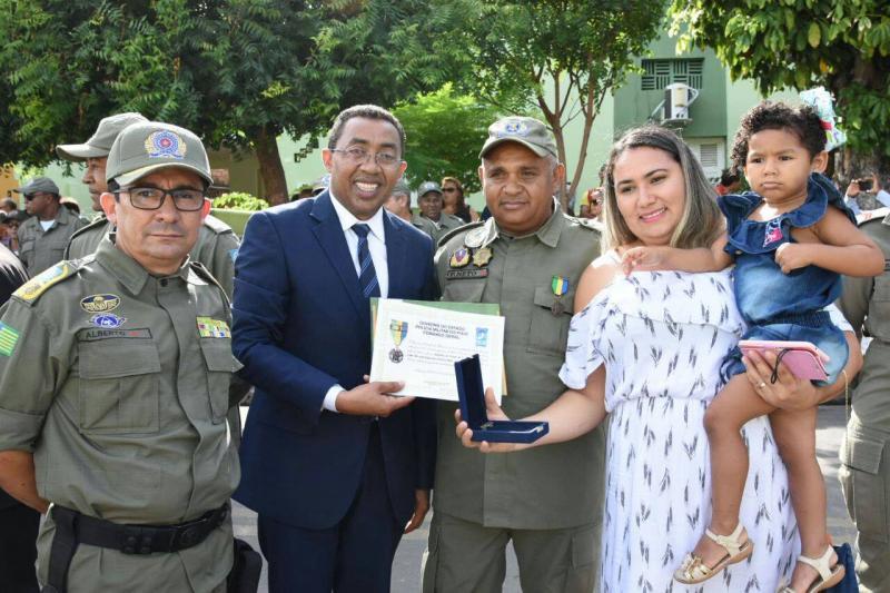 Prefeito Joel participa de solenidade de passagem de comando do 3º Batalhão de Polícia Militar