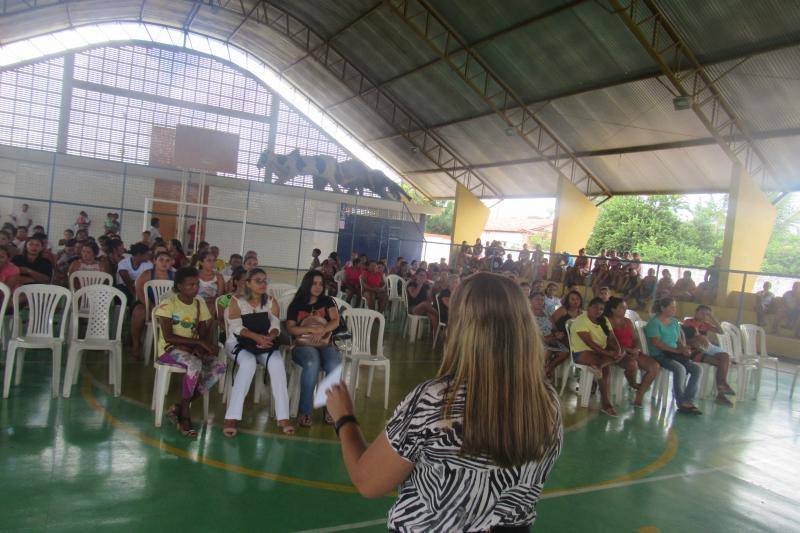 Prefeitura reuniu beneficiários do Bolsa família em São João do Arraial