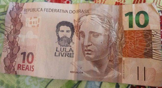 """Banco Central explica proibição de notas com carimbo """"Lula Livre"""""""