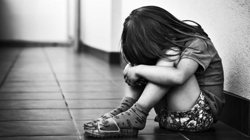 Educador é preso suspeito de estuprar crianças; namorada filmava crimes