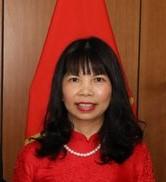 Sra. embaixadora PHAM THI KIM HOA