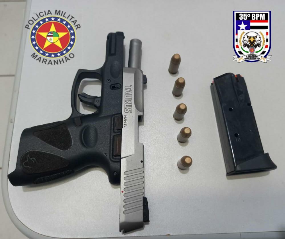 35º BPM equipe falcão prende dupla armada com uma pistola