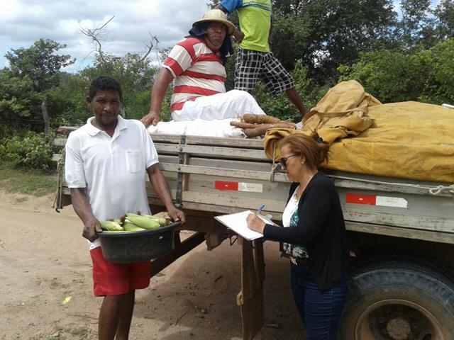 Prefeitura de Pimenteiras realiza entrega de alimentos através do PAA