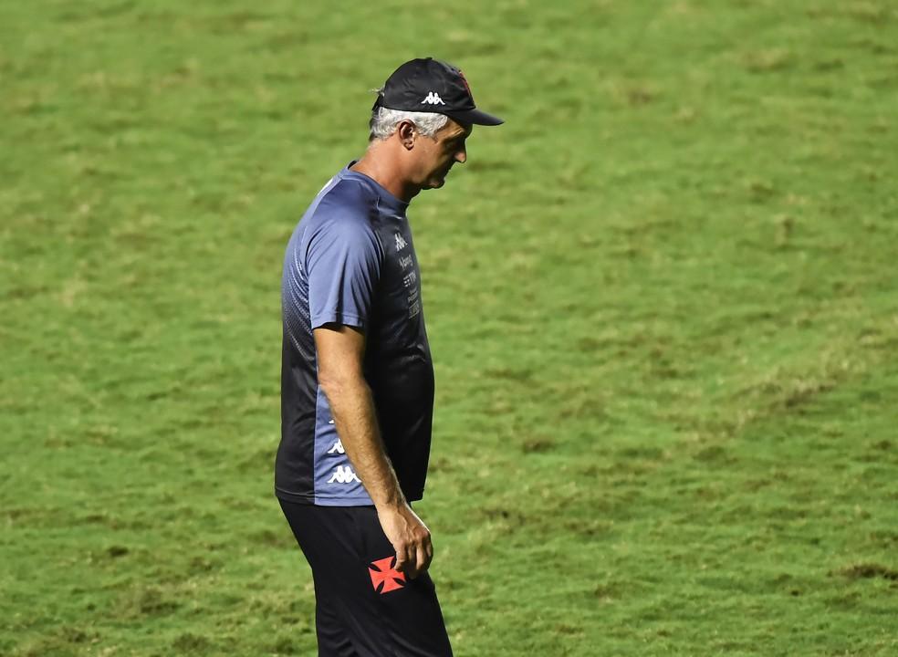 Lisca não é mais o treinador do Vasco — Foto: André Durão
