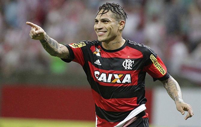 Guerrero volta ao Flamengo para jogo contra o Internacional