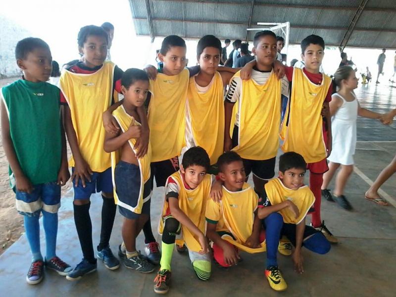 Escolas municipais realizam jogos e contam com times de professores e equipe administrativa