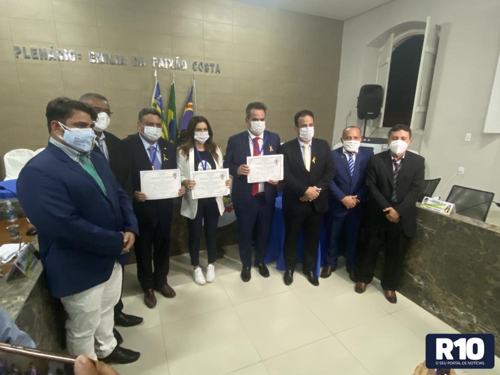 Ministro Ciro, deputados Iracema e Júlio recebem título de cidadão amarantino