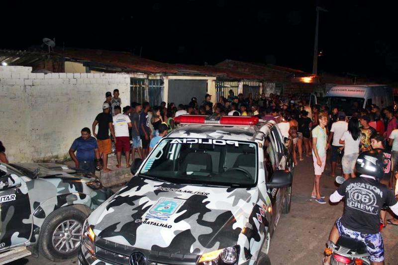 Polícia prende dono de bar e apreende 60 menores em Teresina