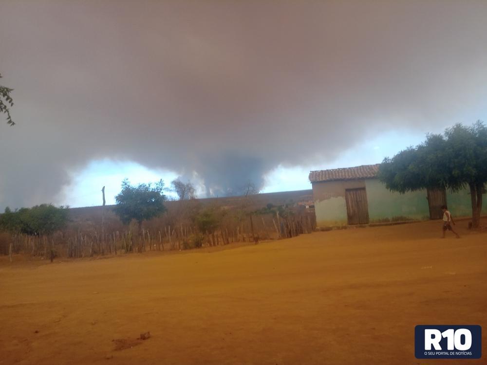 MCT: Onda de fumaça escura provocada pelas queimadas invade residências
