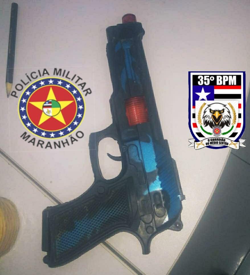 35º BPM conduz homem portando simulacro de arma de fogo na cidade de Passagem Franca - MA