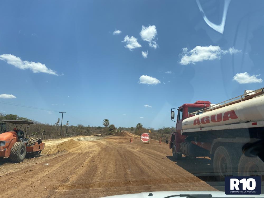 PI-115 está sendo recuperada e beneficia Juazeiro do Piauí