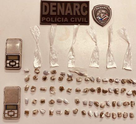 DENARC/Timon prende mulher com 71 'troxinhas' de maconha e 8 de cocaína no 'Cidade Nova' I
