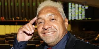Celso de Mello retira do STF inquérito contra Tiririca por suposto assédio sexual